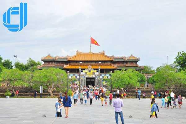 Tour du lịch Đà Nẵng Huế 1 ngày trọn gói tham quan cố đô xưa