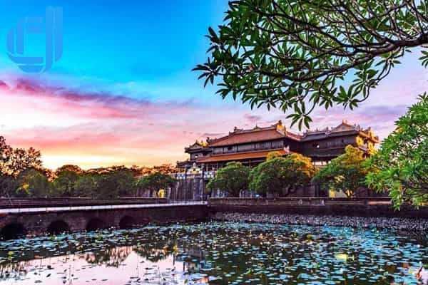 Tour du lịch Hồ Chí Minh Huế 3 ngày 2 đêm bằng máy bay